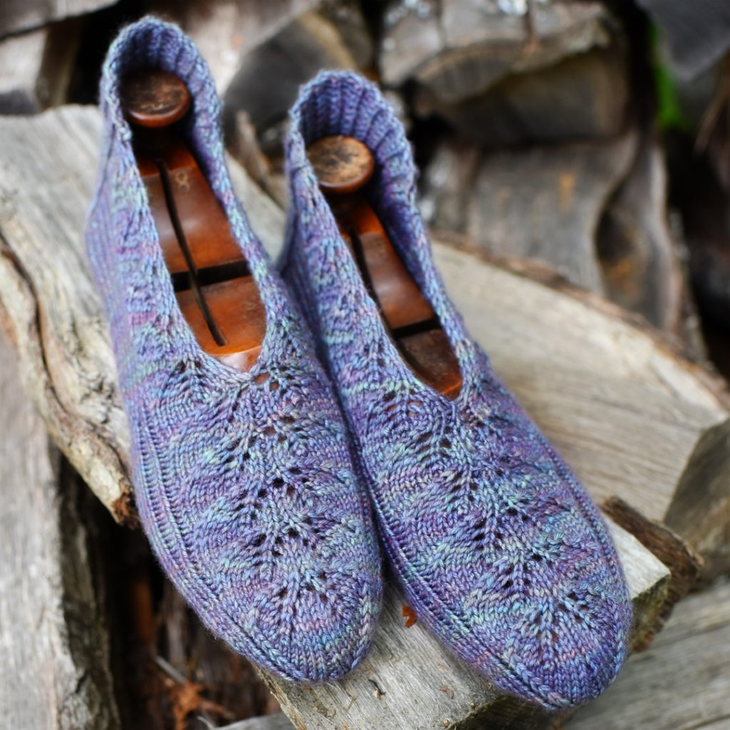 44fe3773c You start by knitting a heel flap and heel turn
